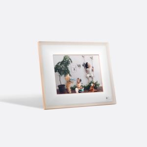 "Modern Smart 9.7"" LCD Wi-Fi Digital Photo Frame - Ivory 51143BBR"